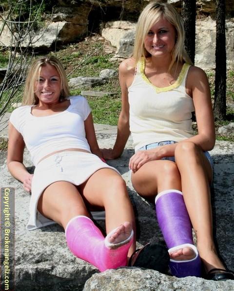Jennie & Laura both in SLC's - Big Pix