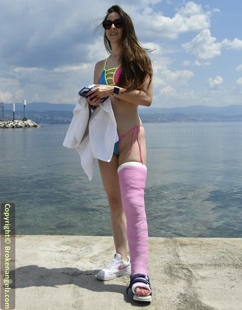 Amirah LLC - Sexy  Sexy Bikini Cast New Big Pix & Short Clip