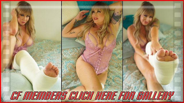Jamie Knott LLC - Jamie Knotts is looking beautiful in this hot lingerie gallery. She's trying to put on a brave face and be sexy, but she has to pout and express pain about her freshly broken leg.