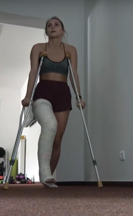 Life with a Long Leg Plaster Cast - Part IV