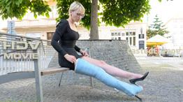 Flo - blue fibre LLC with walking cradle (HD Video)