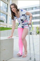 Ivonne - pink LLWC with crutches (56images in set)
