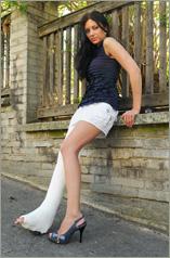 Gizela - wearing plaster LLWC (50 images in set)