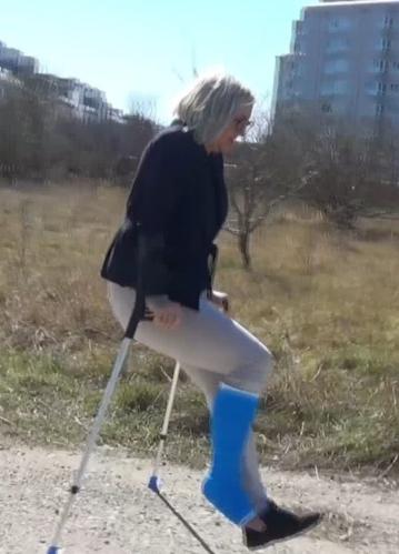 Bella blue SLC - crutching in difficult terrain ($3)