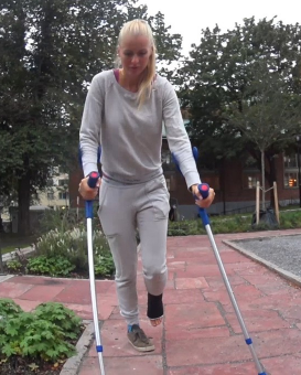 Zandy SLC #19 - Somehow Zandy manages to find all the stairs and uphills on her way home and if you are forced to jump on crutches, it is anything but easy. She is so tired that she also try to tiptoe on her short leg cast even if she know that...