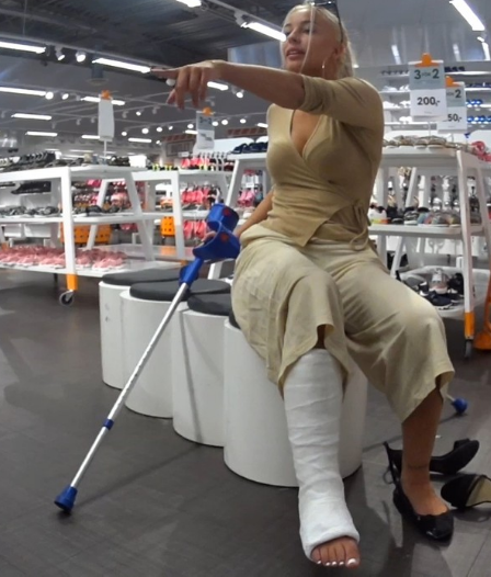 Trixie - Trying shoes in the shoe shop. Trixie is on her way to a shoe store to buy shoes she can wear to a party. (Video 16 min - $5)