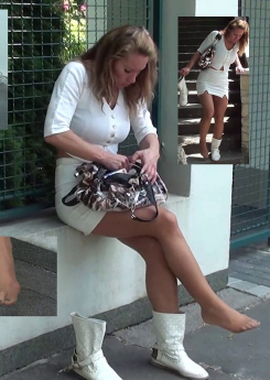 Christa Secretary's Nylon Sprain 1 + 2 - Christa, the secretary, is on her way to work. She must hurry up to catch her bus because she is already late.... so when she rushes down some stairs, she slips and twists her right ankle heavily. She sits...