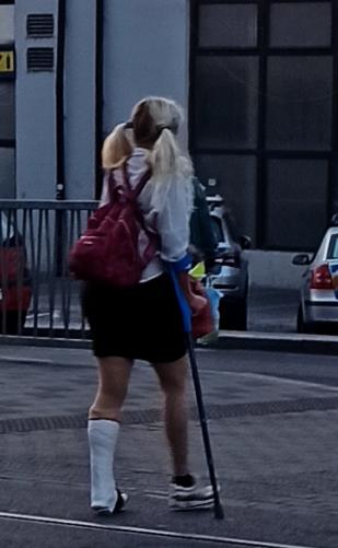 New set added: Blonde woman in plaster legcast